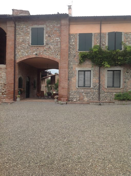 Casa colonica in valtrebbia appartamenti in affitto a for Esterno di colonica industriale