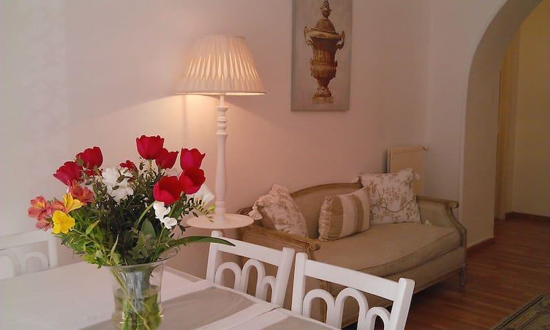 Enjoy Trastevere LaMaisonJosephine - Roma  - Bed & Breakfast