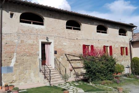 Historic house in heart of Tuscany - San Gimignano
