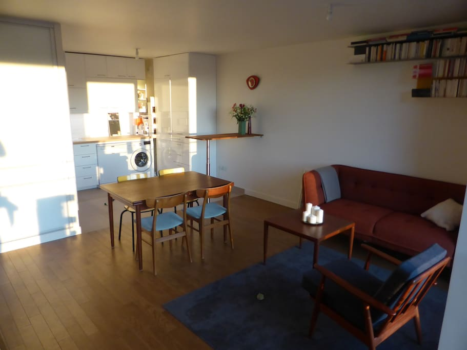 Comfortable living-room, with open kitchen (fully equiped)