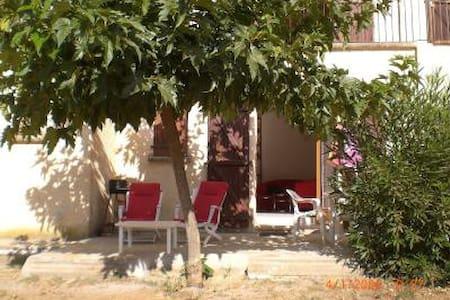 Studios en rez de villa - Ajaccio
