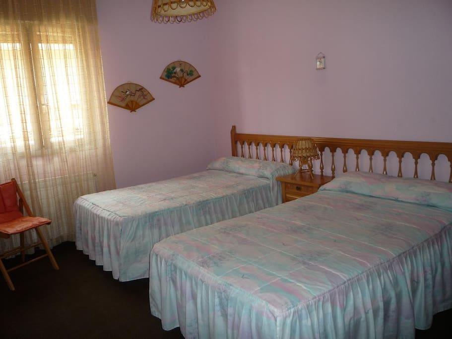 Dormitorio 1: 2 camas