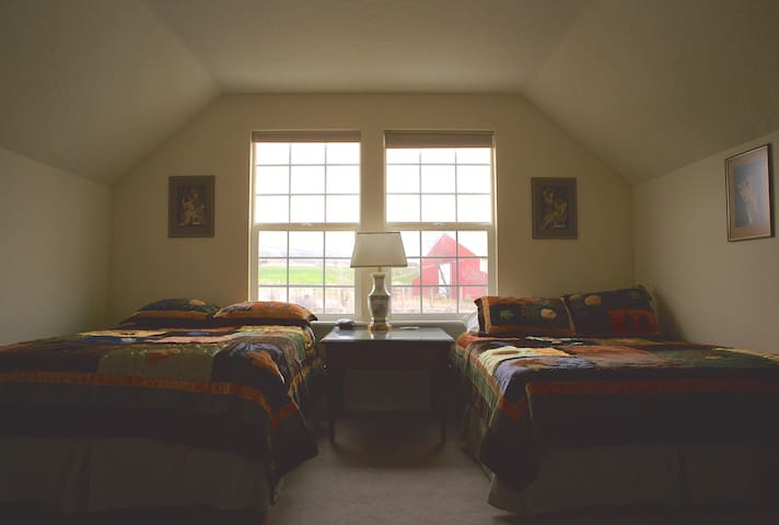 Bunkhouse Suite & Loft @ Rocky Farm B&B ~ Lovable!