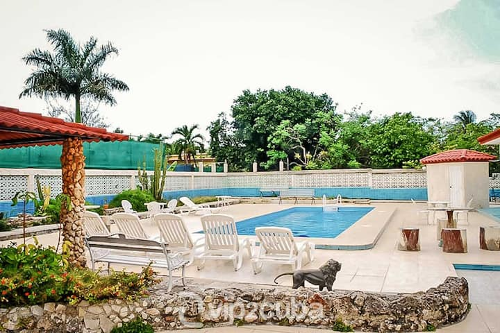 Classic 5BR Villa with pool
