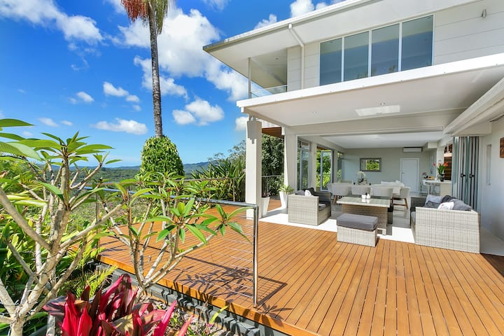 Sundream Holiday Home - 4BD luxury house w views