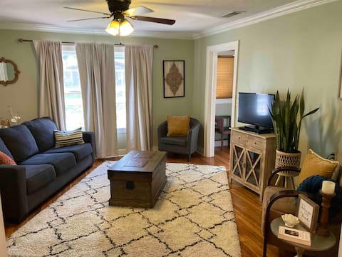 Charming cottage in Downtown Historic Jefferson