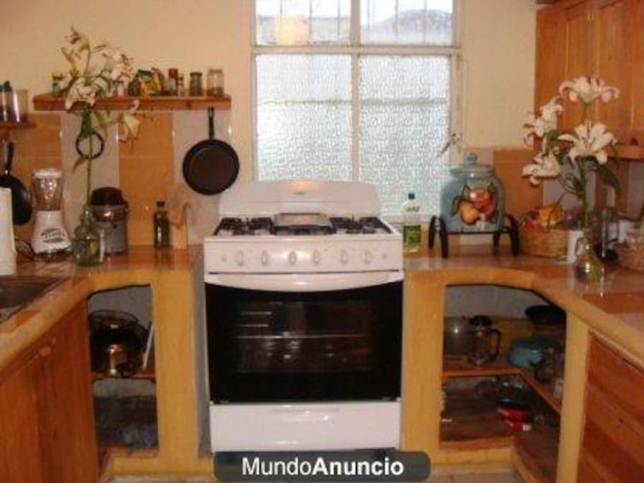 Cocina Equipada/ Fully Equipped Kitchen