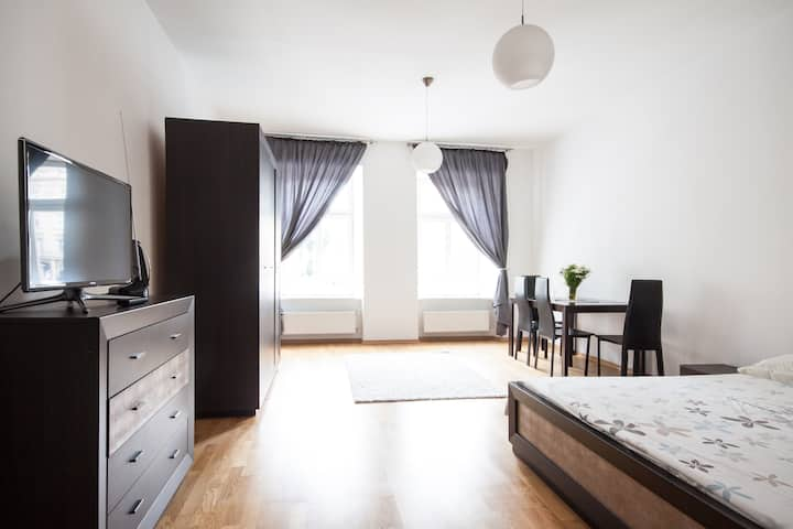 Apartment with magnif. views [41T]