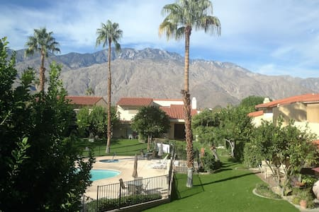 Your Perfect Palm Springs' Getaway! - Palm Springs - House