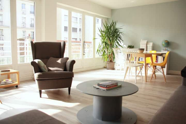 Grand appartement très lumineux et calme
