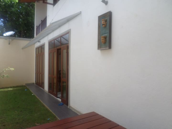 3 rooms / 500m to beach
