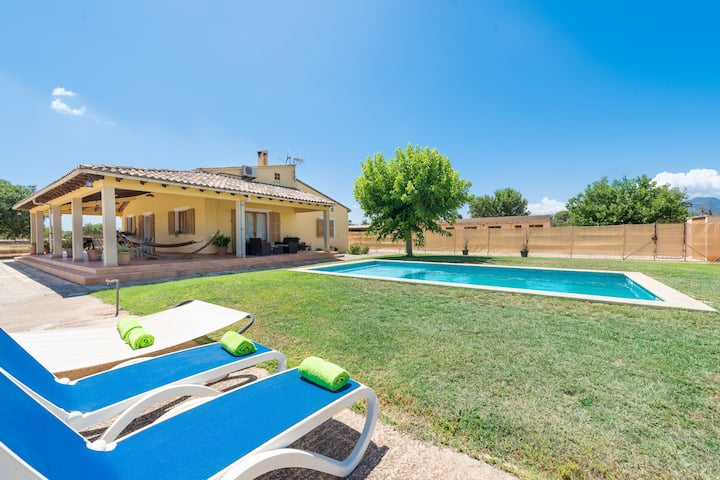 CAN FERRADURA - Charming villa with private pool in the countryside. Free WiFi.