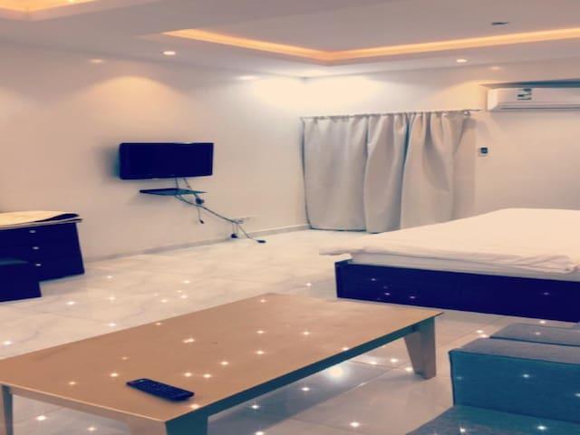 شقة فندقية 3 غرف و صالة
