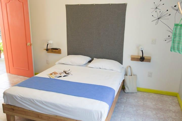 Hermosa y tranquila habitación