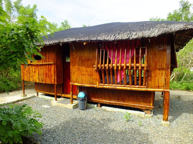 Cosy Bamboo Cubo on White Sand Coral Beach