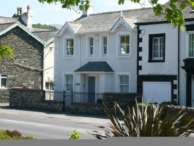 WRENVILLE, family friendly, with a garden in Keswick, Ref 972279