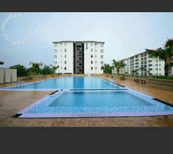 Puncak Alam Holiday Homestay - Puncak Alam - Apartment