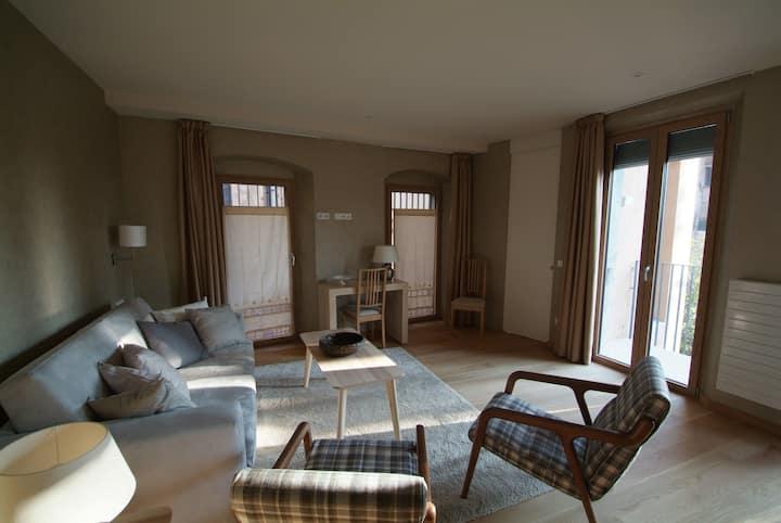 Beautifully furnished luxury apartment in Girona