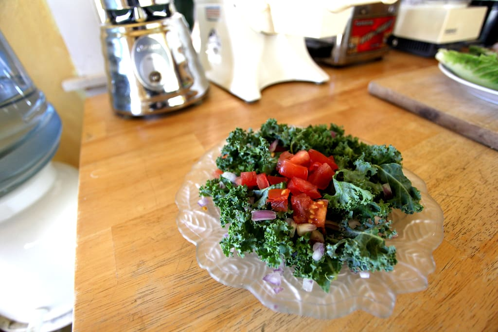 Kale salad with sesame seed oil