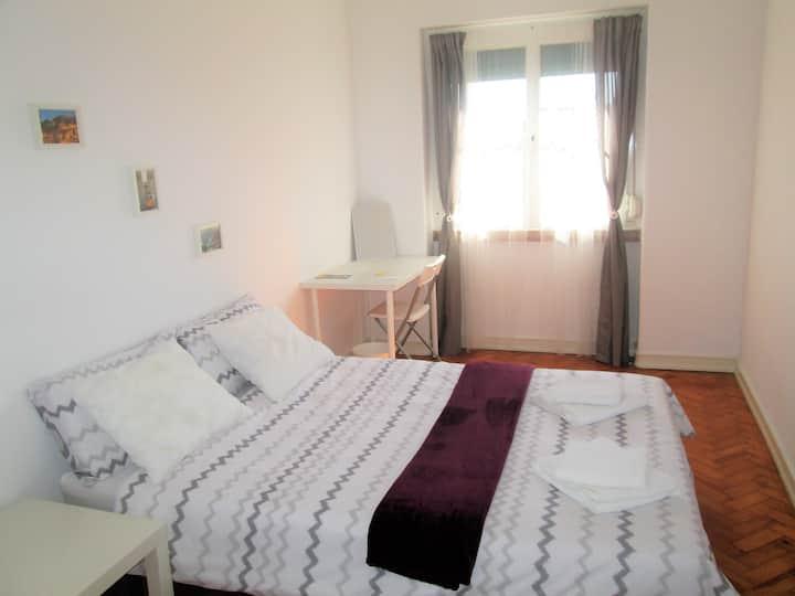 Belém Cozy Bedroom II