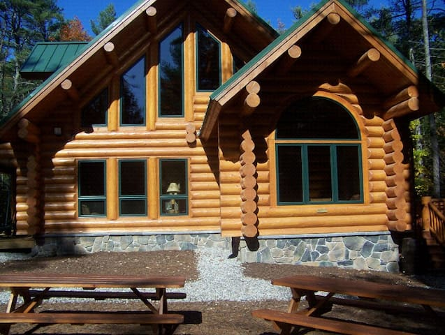 Big bear luxury log cabin sebago naples windham cabins for Large luxury log homes
