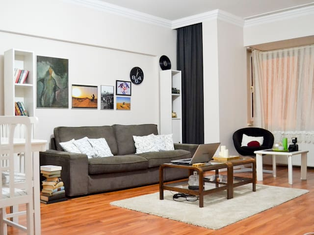 Cosy flat near the airport(SAW) - Istambul - Apartamento