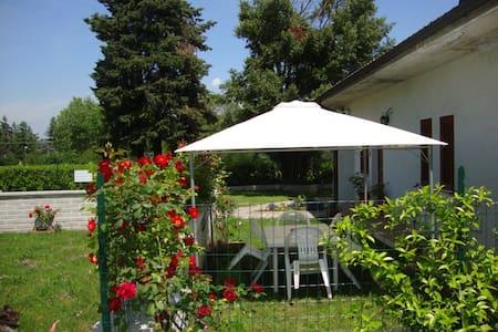 """Casa Vacanze """"Villa Turi"""" - Labico - Huoneisto"""