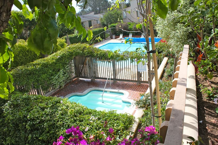 Beach Condo in Oceanfront Complex. - Solana Beach - Apartment