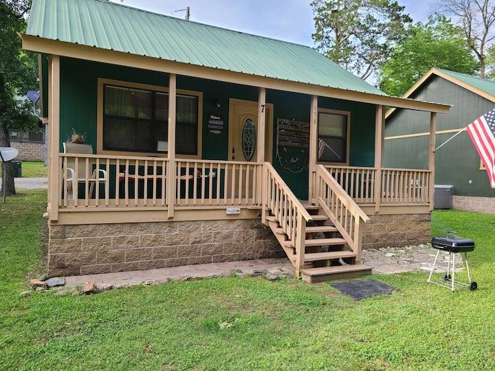Cozy Lakeside Cabin #7