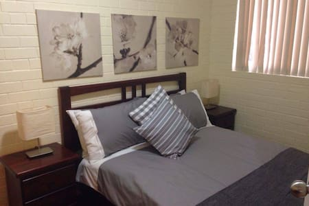 Caro's Place Perfectly Located - Fremantle - Apartment