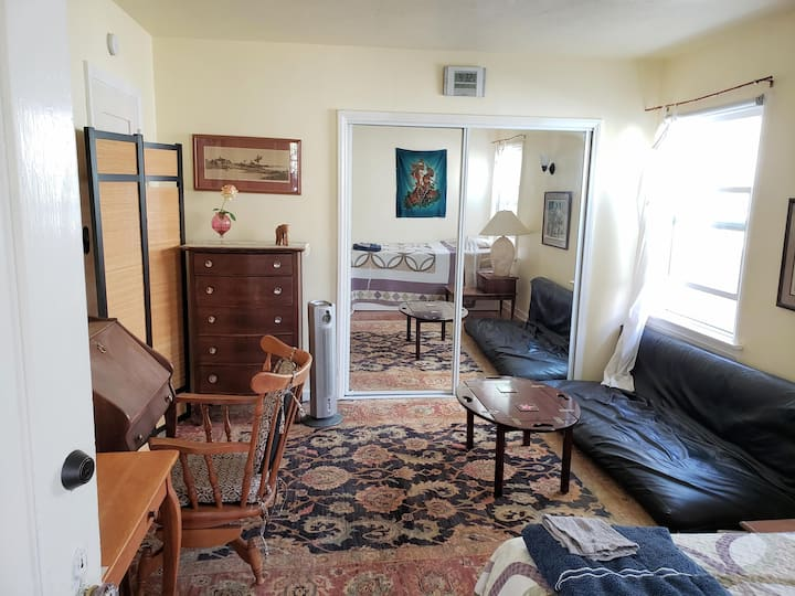 Completely Private Suite w/ Bed, Bath, Kitchenette