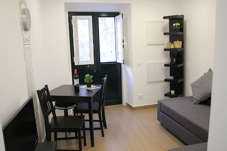 Charming flat for 4 in Mouraria, in Fado District