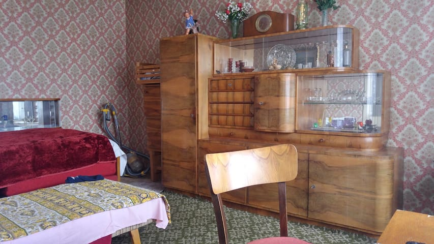 a little retro apartment - Poprad - Departamento
