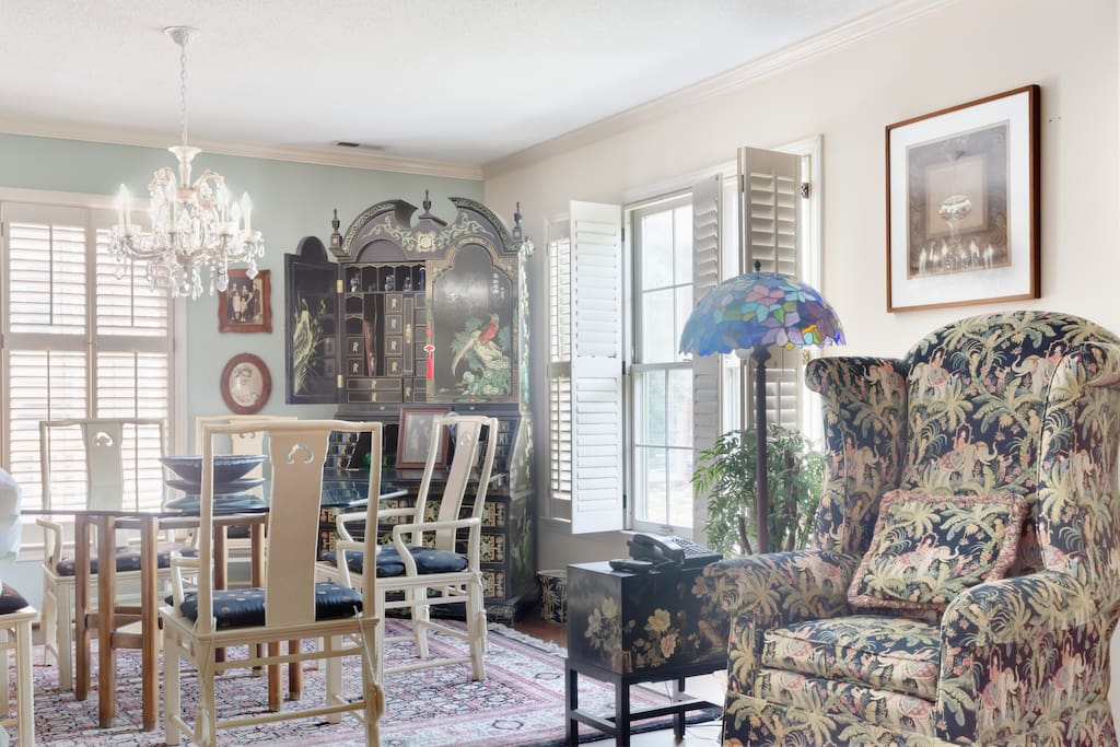 Luxurious Home With Antiques Art Townhouses For Rent