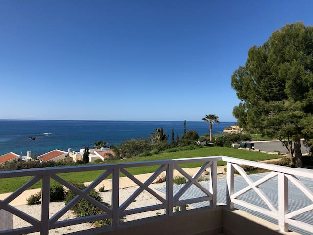 Amazing views of Coral bay 1 Bed