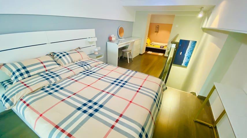 温馨的卧室/简洁舒适的床品