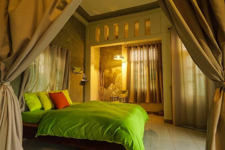 Family Room Riverside - Nha Homestay