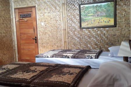Unique Room for 2 in Yogyakarta! - Yogyakarta - House