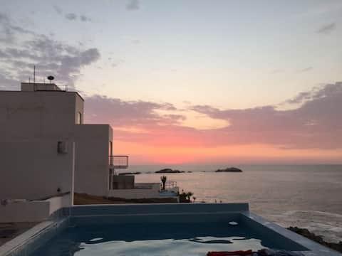 Casa de Playa Puerto Fiel frente al mar y piscina