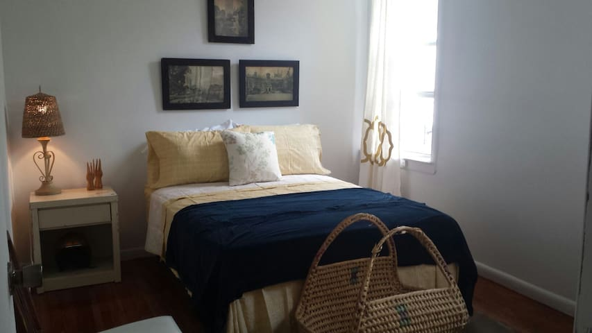 Natural Country - Sleeps 7 - Jersey City - Lejlighed