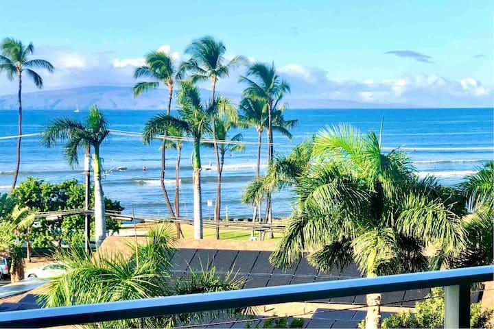 Beachfront-Ocean View-Walk everywhere!Condo