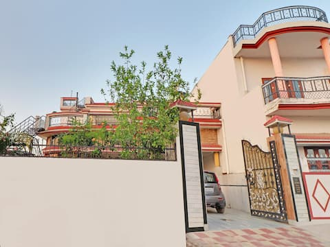 Elegant 2BR  Stay in Dehrakhas-Sale Alert!
