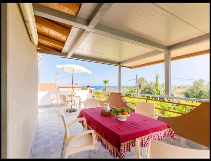 Apartment with 2 bedrooms in Avola, with enclosed garden - 150 m from the beach