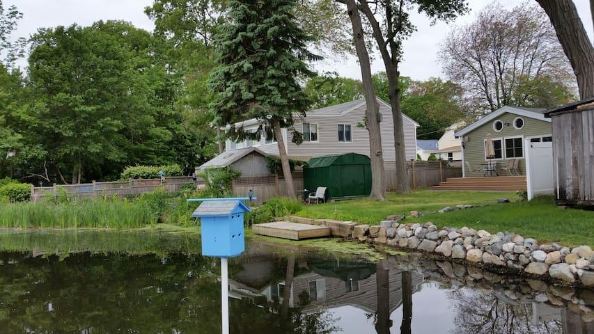 Cozy Elegant House on Pond - Waltham - Casa