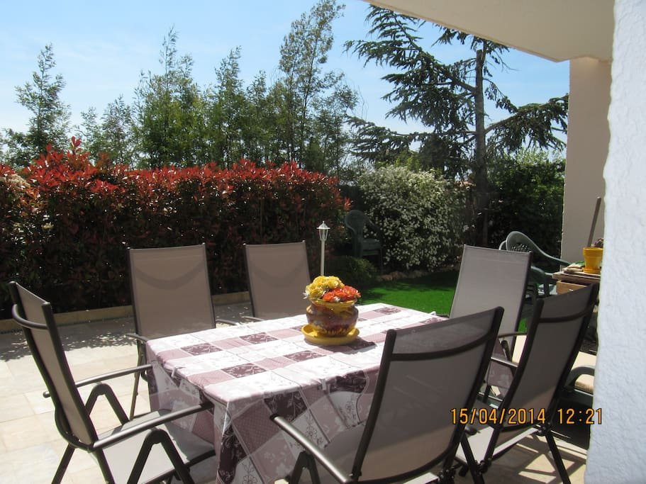Bel appartement en rez de jardin apartments for rent in - Salon des vignerons independants nice ...