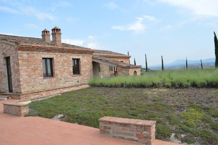 villa antica con jacuzzi - Montepulciano - Leilighet