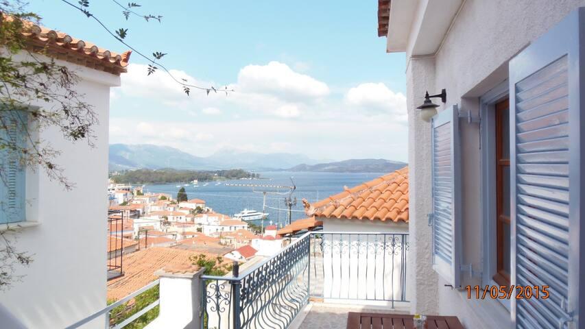 central town house on Poros