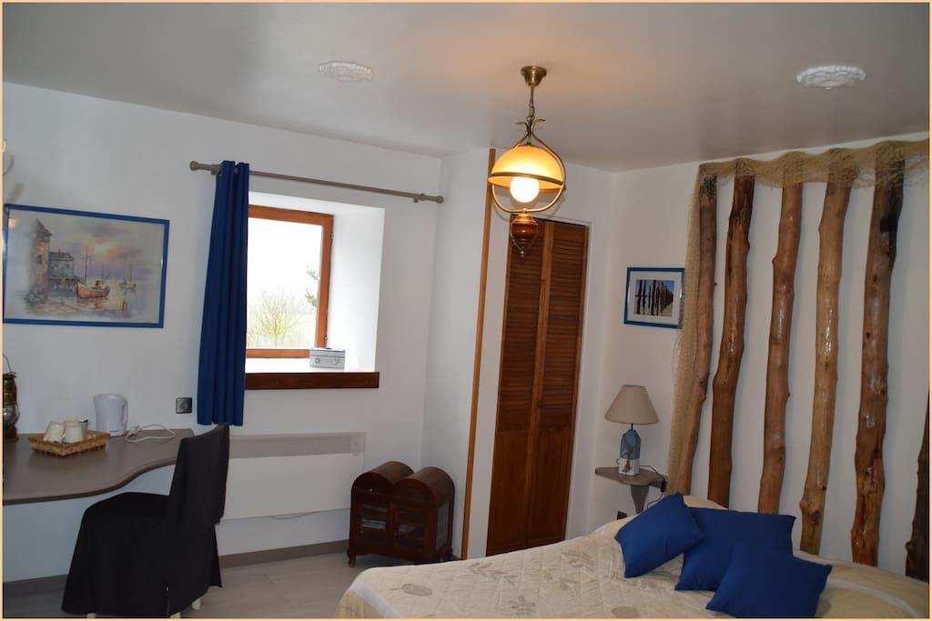 chambres d 39 h tes les fleurettes pr s du mont chambres d 39 h tes louer saint marcan bretagne. Black Bedroom Furniture Sets. Home Design Ideas