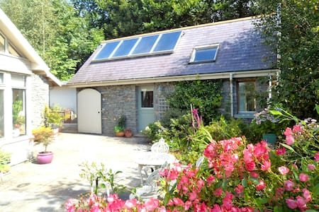Kinsale -self catering cottage - Innishannon - กระท่อม