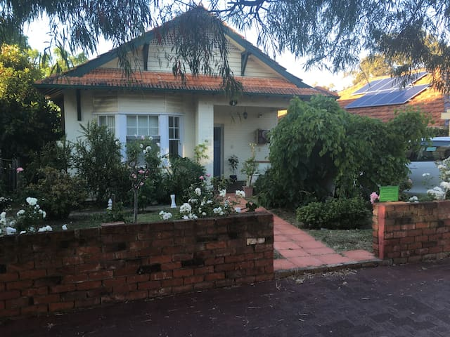 Shenton Cottage